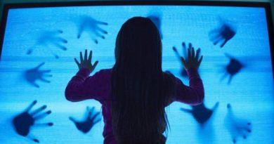 Poltergeist 2015 trama cast