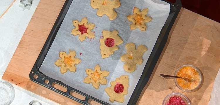 Biscotti di vetro da appendere è sempre mezzogiorno