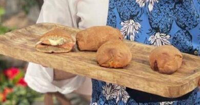 Panini al grano saraceno e formaggio è sempre mezzogiorno